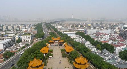 黄鹤楼周边则将是春节期间最为拥堵的一块区域,黄鹤楼,首义公园的易