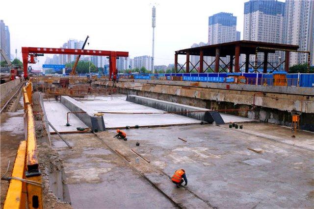 武汉地铁阳逻线后湖大道站主体结构封顶,这座从主城区通往新洲阳逻